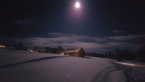 Bilden är tagen sent på kvällen den 3 januari 2018. Supermånen var verkligen superstor och det blev ljust nästan som på dagen.